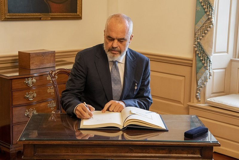 Albanian Prime Minister Rama Signs the Guest Book 49493345401
